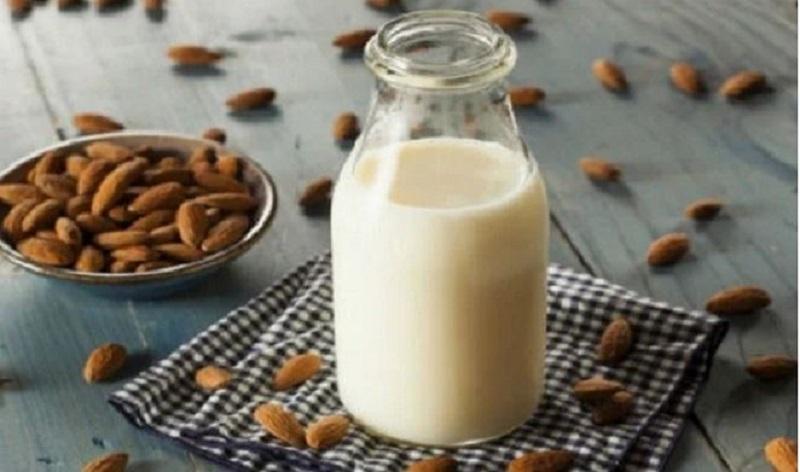 Sữa hạt hạnh nhân cho bé