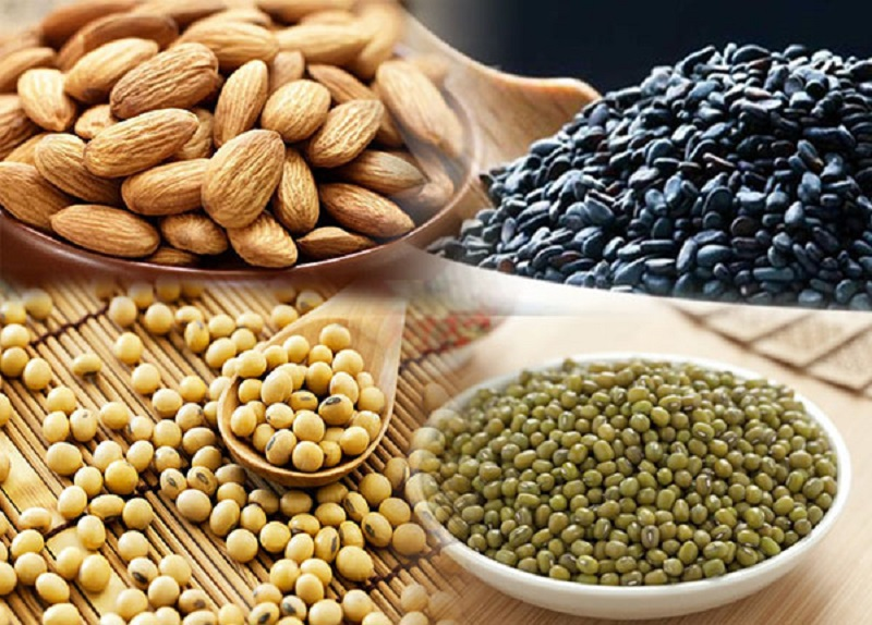 Kết hợp óc chó cùng một số loại hạt khác nhau cho bé để bổ sung thêm nguồn dinh dưỡng