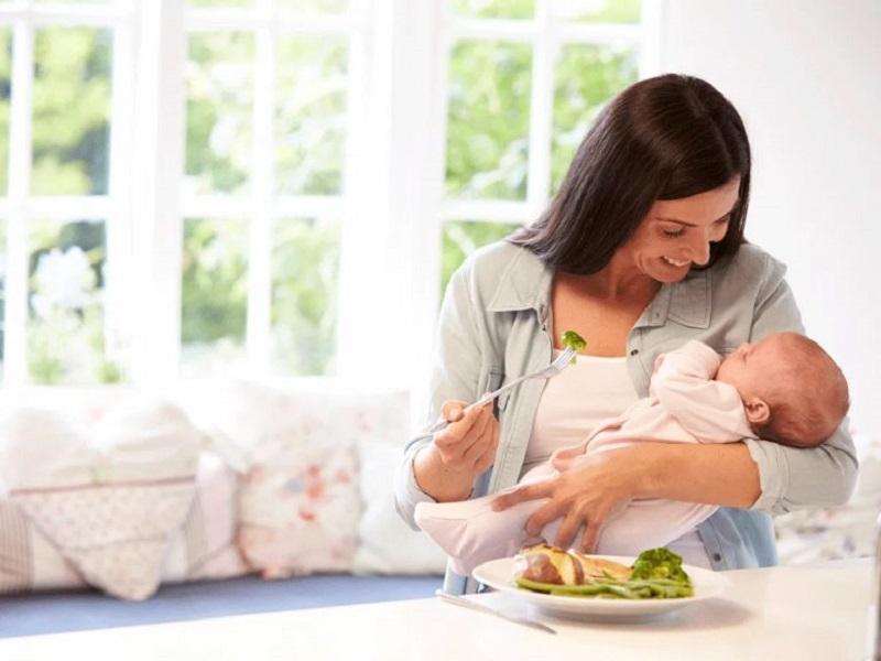 Sử dụng các loại bánh ít calo cho bữa ăn nhẹ giúp các bà mẹ giảm cân hiệu quả