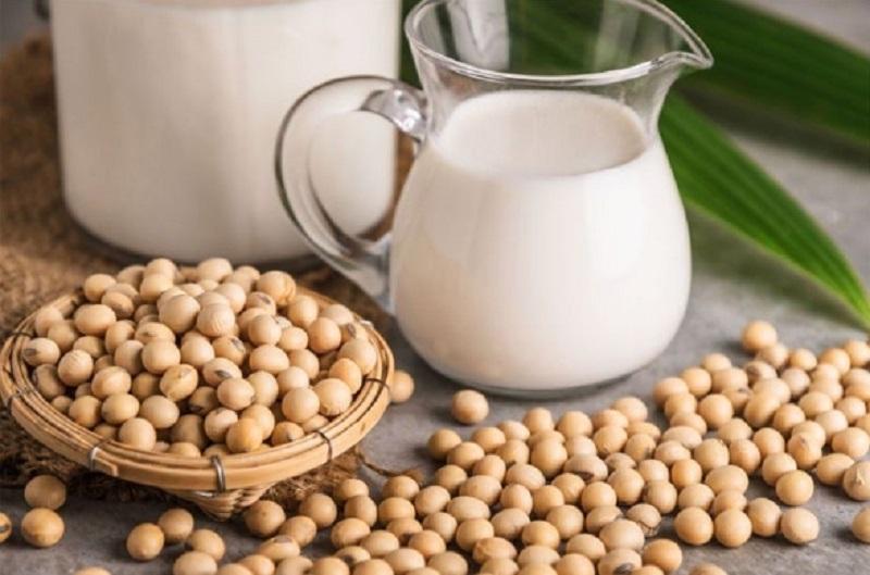 Uống sữa đậu nành vào buổi sáng giúp cho việc giảm cân đạt hiệu quả cao nhất