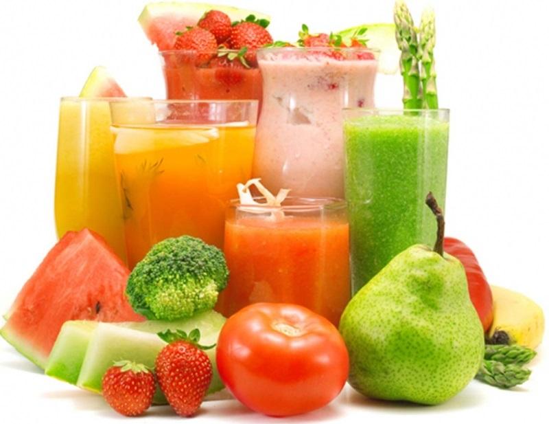 Sinh tố trái cây cung cấp nhiều vitamin và dưỡng chất cần thiết cho trẻ nhỏ